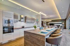 Breakfast Bar #breakfastbar #dreamhome #luxury #villa #travel #inspiration #luxdesign #interiordesign #modern