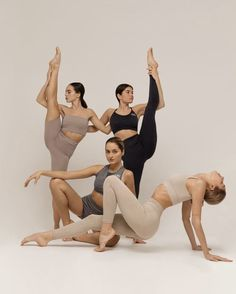 Pilates, Fitness Brand, Yoga Fitness, Looks Academia, Spirit Yoga, Yoga Logo, Fitness Photoshoot, Daily Yoga, Workout Aesthetic