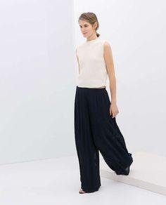 Cómo conjuntar los pantalones anchos, palazzo y baggy pants: Fotos de los modelos (22/55) | Ellahoy
