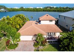Comprehensive buyer and seller real estate services, including finding homes, listing homes for sale, market analysis, property evaluation, and more for Bonita Springs, Estero, Fort Myers Beach, S For