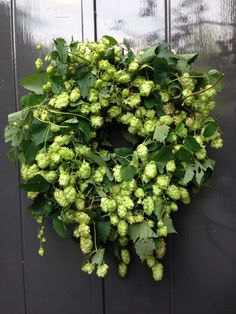 Wreaths And Garlands, Holiday Wreaths, Wreath Crafts, Diy Wreath, Wreaths For Front Door, Door Wreaths, Flower Decorations, Christmas Decorations, Decoration Inspiration