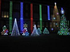 Nela Park Holiday Lights - Cleveland, OH #Yuggler #KidsActivities #Holiday