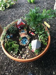 Desain Mini Garden Indoor : about Mini gardens on Pinterest  Mini gardens, Miniature gardens ...