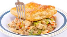 A creamy filling made with chicken, veggies & beer gets topped with puff pastry for Rach's quick chicken pot pies. Quick Chicken Pot Pie Recipe, Chicken Recipes, Chicken Meals, Top Recipes, Cooking Recipes, Yummy Recipes, Dinner Recipes, Healthy Recipes, Chicken