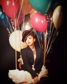 ♡ #安室奈美恵 #安室 #安室ちゃん #奈美恵ちゃん #namieamuro #amuronamie #19770920 #20180916 #Finally #ファイナリー #歌姫 #かわいい #かっこいい #大好き #永遠の憧れ #永遠にファン #25周年 #25th #引退 #みんなで最高の1年にしよう♡ My Muse, My Hero, Superstar, Cool Girl, Famous People, Balloons, Kawaii, Singer, Celebrities