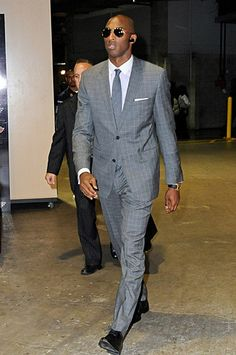 Dwight Howard (Andrew D. Bernstein/NBAE via Getty Images) By Andy Gray With the NBA at the quarter mark of the season, this seems like a good time to check out Kobe Bryant Family, Lakers Kobe Bryant, Kobe Mamba, Kobe Bryant Pictures, Kobe Bryant Black Mamba, Gorgeous Black Men, Man About Town, Sport Icon, Suit And Tie