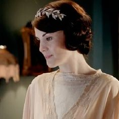 Shop It Out: Lady Mary's Wedding Headband From the Downton Abbey Premiere : Lucky Magazine