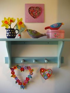 67 ideas for crochet heart wreath attic 24 Crochet Baby Bonnet, Crochet Bebe, Crochet Baby Booties, Crochet Gifts, Crochet Motif Patterns, Crochet Beanie Pattern, Valentine Wreath, Valentine Decorations, Valentine Box