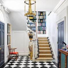 Saying all the right things. #entrywayenvy {#interiordesign by Jane Hawkins Hoke,  by Annie Schlechter via @verandamag} #interiorinspiration