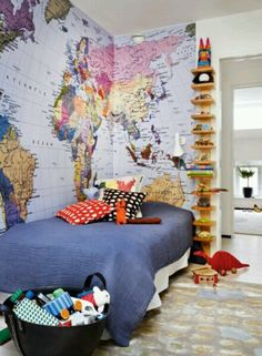 Chambre d'enfant, une carte du monde en guise de papier-peint | Kid's room