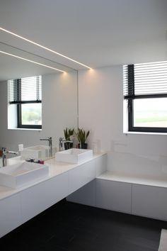 Grey Bathroom Tiles, Grey Bathrooms, Master Bathroom, Bathroom Interior, Bathroom Ideas, Bath Light, Sweet Home, My House, Minimalism