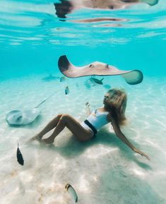 summer vibes surf beach ocean waves sun - FLOAT - Inspired by the summer and ocean. Handmade necklaces, bracelets, jewelry and accessoires - Trend Ideas Beach Aesthetic, Travel Aesthetic, Summer Aesthetic, Photos Bff, Beautiful Places To Travel, Ocean Waves, Dream Vacations, Summer Vibes, Summer Sun