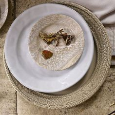 Float into fall! We're gearing up by mixing creamy whites with swirls of silver and greys and accenting with almond. Wilderness Trail, Wishful Thinking, Art Of Living, Creamy White, Swirls, Tablescapes, Dinnerware, Almond, Berries
