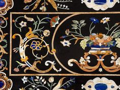 A large Italian Baroque Style Pietra Dura Table Top, 20th C Мода Барокко, Маркетри, Украшение Холла, Черный Мрамор, Моне, Цветы