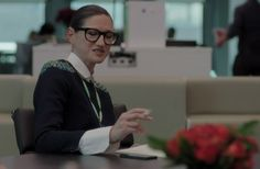 Jenna Lyons Will Guest Star on New Season of Girls The J.Crew creative director and style icon looks just as polished as she always does, signature glasses and all. Continue reading »Follow Fashionista on Twitter or become a fan on Facebook.  http://accessories.thatarerightforme.com/accessories/jenna-lyons-will-guest-star-on-new-season-of-girls