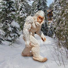 Bigfoot the Giant Life-size Yeti Statue by Design Toscano