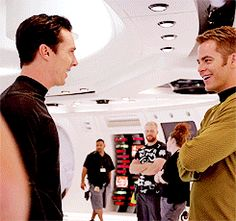 (gif) Benny and Chris (aka perfect) Pine having a giggle...i can't help it, it made me laugh seeing them laugh