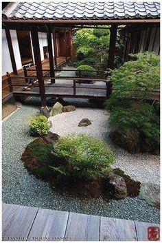 50 Diy Backyard Zen Garden Ideas - Home/Decor/Diy/Design Japanese Rock Garden, Mini Zen Garden, Asian Garden, Japanese Gardens, Zen Garden Design, Japanese Garden Design, Landscape Design, Diy Jardin, Acer Palmatum
