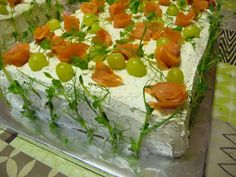 KeittiöKriitikko: Voileipäkakku 50 hengelle (kala ja kinkku) Sandwich Cake, Sandwiches, Kala, Food And Drink, Appetizers, Mexican, Vegetables, Ethnic Recipes, Drinks