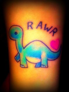 Rawr means i love you in dinosaur :)
