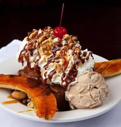 Bailey's Chocolate Bar These 15 St. Louis Restaurants Will Blow The Taste Buds Out Of Your Mouth