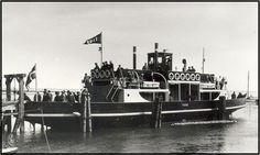 """To nye færger indsættes Indvielsen af M/F """"Fanø"""" i 1926."""