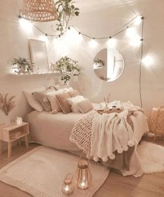 Cute Bedroom Decor, Room Design Bedroom, Bedroom Decor For Teen Girls, Girl Bedroom Designs, Stylish Bedroom, Room Ideas Bedroom, Small Room Bedroom, Bedroom Ideas For Small Rooms Women, Fancy Bedroom