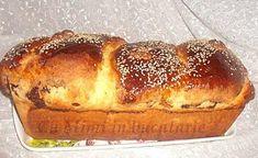 Intr-un castron se cerne faina se incalzeste laptele in care se dizolva zaharul si se pune coaja de lamaie. - Rețetă Altele : Cozonac moldovenesc de MIMISOR Baking Recipes, Dessert Recipes, Desserts, Loaf Cake, Breakfast Bake, Pastry Cake, Sweet Bread, Hot Dog Buns, Banana Bread