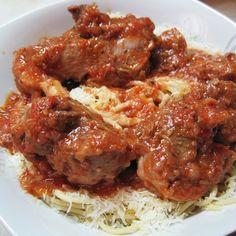 Κατσικάκι κοκκινιστό Greek Easter, Greek Cooking, Greek Recipes, Titanic, Foods, Meat, Chicken, Dinner, Ethnic Recipes