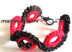 pulsera de anillas de crochet y punto curvado