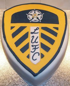 Leeds United Football, Special Birthday Cakes, Novelty Cakes, Cupcake Cakes, Cupcakes, Eat Cake, Football Cakes, Cake Decorating, The Unit