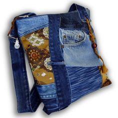 一点もの。古着ジーンズと帯と手染め藍染めデニムの大きめなリメイクメッセンジャーバッグです。 カジュアルファッションにお勧めです。バッグの内側は、無地の着物地の... ハンドメイド、手作り、手仕事品の通販・販売・購入ならCreema。