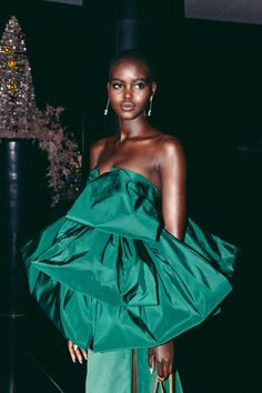 Adut Akech photography by Danny Kasirye © for British Vogue Look Fashion, Fashion Models, Fashion Styles, Runway Fashion, Black Is Beautiful, Beautiful People, Valentino Gowns, Black Girl Aesthetic, British Fashion Awards
