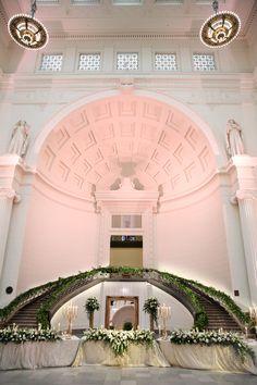 Field Museum: Downtown Chicago's Most Iconic Wedding Venue Romantic Centerpieces, Wedding Decorations, Wedding Events, Wedding Ceremony, Field Museum, Chicago Wedding Venues, Museum Wedding, Dream Decor, Event Venues