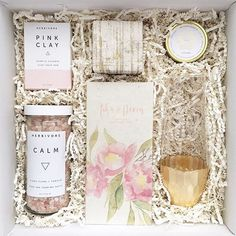 This @teakandtwine box makes for the perfect bridesmaid gift!  Just ask @ashaadore's bridesmaids -- they all received one at #theknotdreamwedding  #theknot