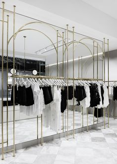 Studio Wonder& latest Melbourne store for Alice McCALL is a culmination of a long-standing relationship, resulting in a beautifully layered interior. Boutique Interior, Clothing Store Interior, Clothing Store Design, Boutique Design, Fashion Store Design, Fashion Stores, Showroom Design, Interior Design Companies, Shop Interior Design
