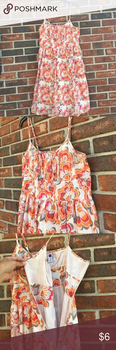 SUMMER CLEARANCE! Gap Sundress! Size 10 Excellent condition. Bundle and save! Dresses