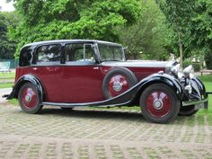 1934 Rolls-Royce Saloon Chassis no. Voiture Rolls Royce, Rolls Royce Cars, Vintage Cars, Antique Cars, Vintage Ideas, Automobile, Saloon, Bmw, Expensive Cars