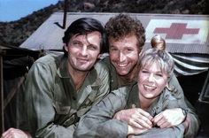 """Wayne Rogers is best known for playing """"Trapper John"""" McIntyre in the hit television show """"M*A*S*H. Great Tv Shows, Old Tv Shows, Movies And Tv Shows, Mash Cast, Wayne Rogers, Hogans Heroes, Alan Alda, History Of Television, The Lone Ranger"""