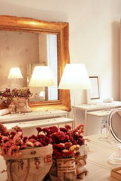 Our #shop in #Milan – Maschio Gioielli Milano / Shop Online #maschiogioielli #windows #minimaljewels #shoponline #contemporaryjewels