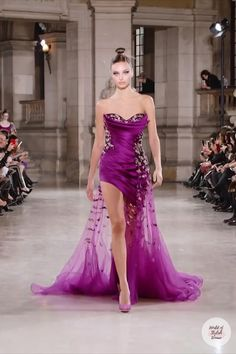 Purple Evening Gowns, Evening Dresses, Formal Gowns, Strapless Dress Formal, Dressy Dresses, Prom Dresses, Couture Fashion, Runway Fashion, Couture Dresses
