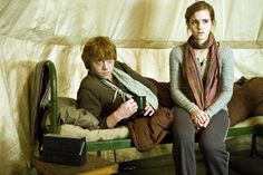 HARRY POTTER AND THE DEATHLY HALLOWS: PART 1, from left: Rupert Grint, Emma Watson, 2010. ph: Jaap Buitendijk/©2010 Warner Bros. Ent. Harry Potter publishing rights ©J.K.R. Harry Potter characters, names and related indicia are trademarks of and ©Warner Br