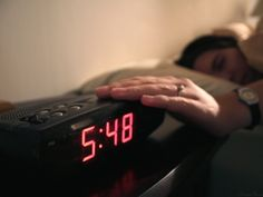 There's no getting around it: Being a night owl in today's society kind of sucks. But even if you're naturally at your most productive later on in the day, there are still measures you can take to make yourself into a morning person — or at least, to make yourself into a little more of a