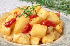 Le patate vastase sono un tipico piatto della mia città, Trapani. Sono patate al forno con l'aggiunta di cipolla pomodoro e mozzarella. Semplicemente divine