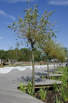02 KLA_Drapers-Field_Swale-Deck-and-Waves « Landscape Architecture Works | Landezine