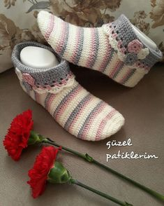 Best 11 10 Free Crochet Bootie Patterns – Link Blast – Meladora's Creations – SkillOfKing. Easy Crochet Socks, Crochet Baby Boots, Crochet Shoes, Booties Crochet, Shark Slippers, Knitted Slippers, Knitted Gloves, Free Crochet Bootie Patterns, Lace Patterns