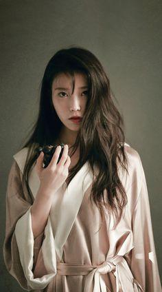 Korean Actresses, Korean Actors, Beautiful Asian Girls, Pretty Asian, Korean Celebrities, Celebs, Iu Fashion, How To Pose, Korean Singer