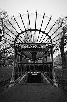 Metropolitain (Art Nouveau Ironwork) Hector Guimard