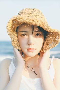 雨一颗 Beautiful Figure, Japan Photo, Girl Photography Poses, Girl Short Hair, Beautiful Asian Women, Ulzzang Girl, Japanese Girl, Girl Photos, Bellisima