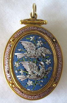 Victorian Italian 18K Gold Micromosaic Pendant Locket